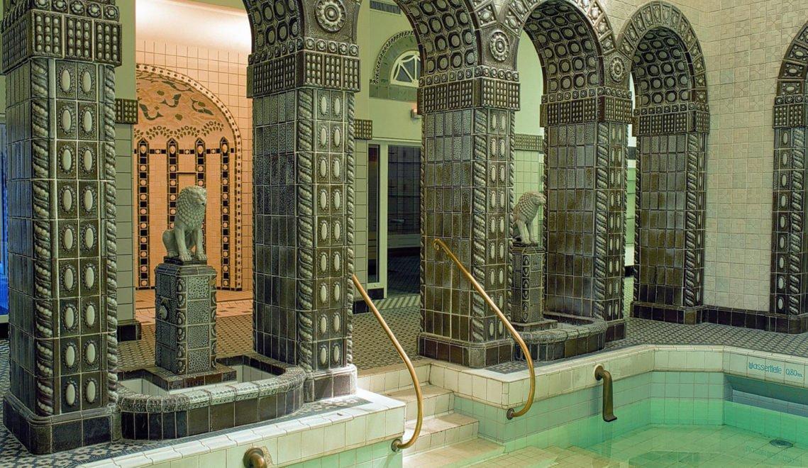 Badefreuden auf höchstem Niveau – die Kaiser-Friedrich-Therme in Wiesbaden