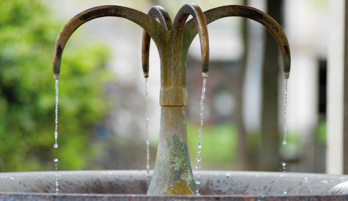 Gesunde Berühmtheit: Der Kochbrunnen ist Wiesbadens Wahrzeichen und eine Thermalquelle